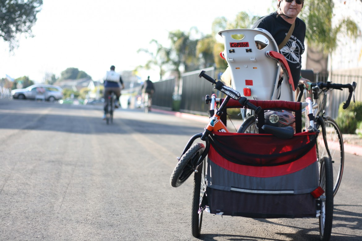 Hauling Your Kids by Bike: Rear Mounted Bike Child Seats & Kid Trailers